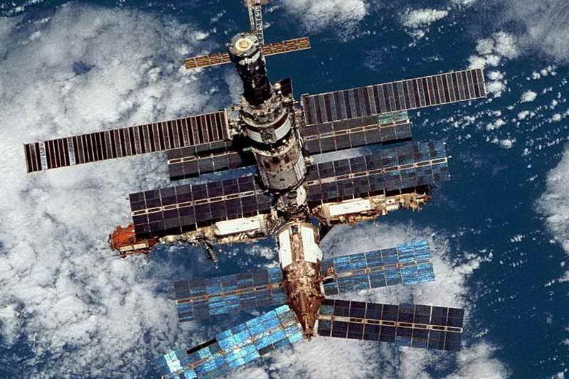 Космическая станция мир 1986