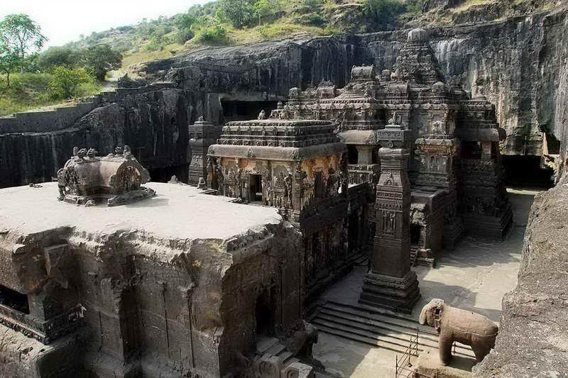 Храм Кайласа Кайласанатха